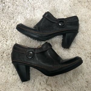 Naturalizer N5 comfort ankle leather boots  8.5.